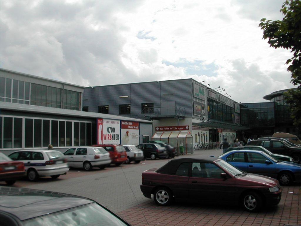 Etzelstr. 38-44  / (PP) Weipertzentrum / neb. Minimal re.