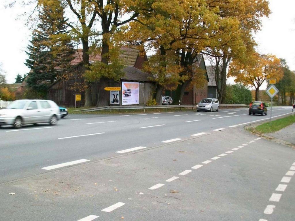 An der Bundesstr. (B 74)  / Alte Dorfstr. 2