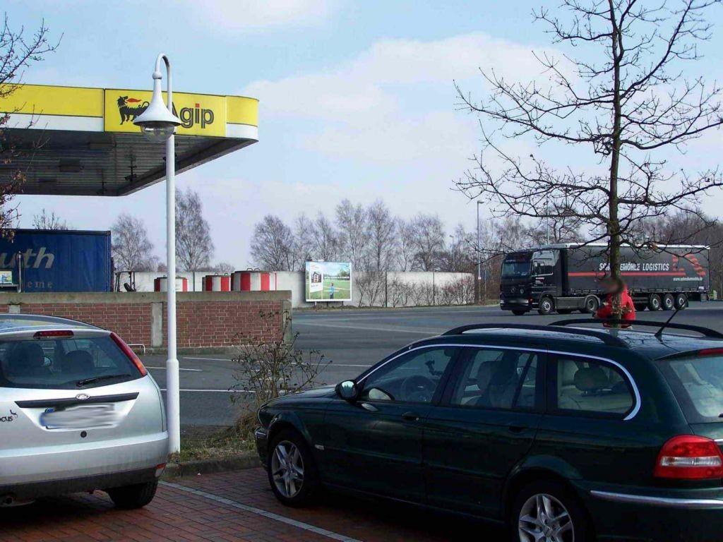 Autobahn-Abfahrt Holdorf  (PP) Autohof/Tankst.