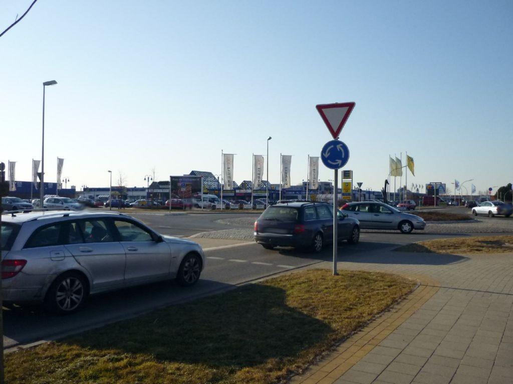 Flensburger Chaussee  / Siemensstr. 34-36 (Kreisverkehr)