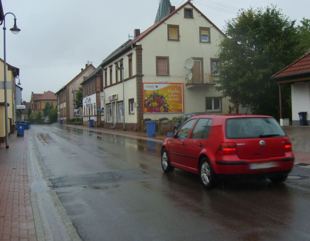 Hauptstr. 98 (L 356)  quer
