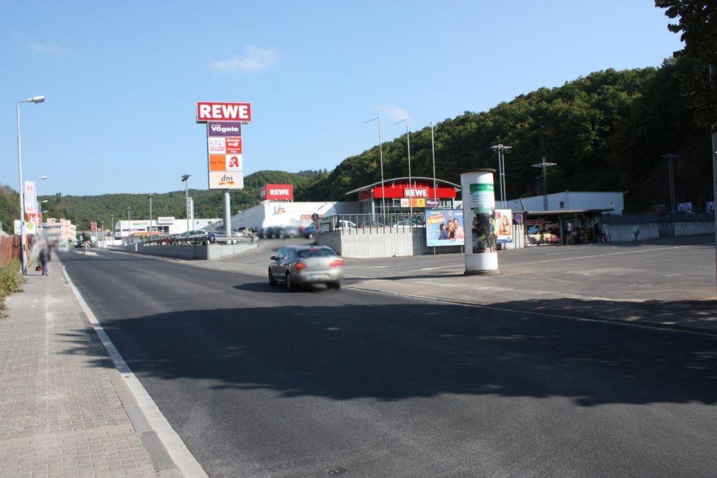 Vollmersbachstr. (L 177)  / Festplatz (PP) re. quer