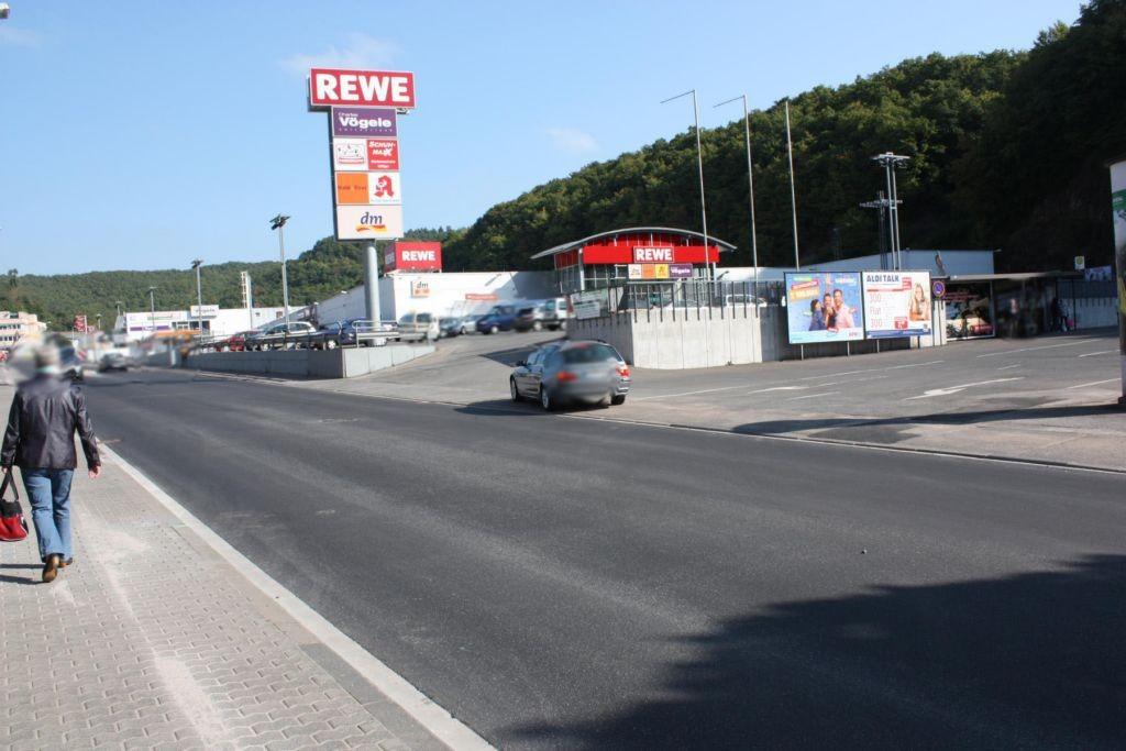 Vollmersbachstr. (L 177)  / Festplatz (PP) li. quer
