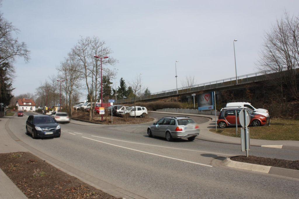 Neumayerstr.  / Bahnhof