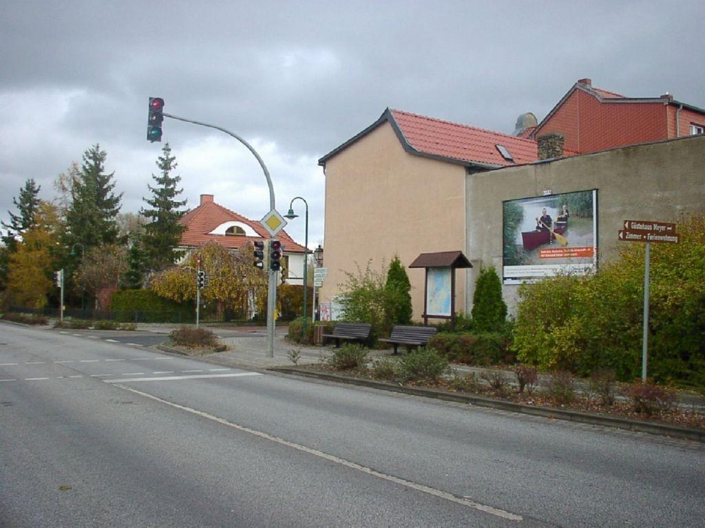 Güstrower Chaussee (B 103) / Wilhelm-Pieck-Str. 10