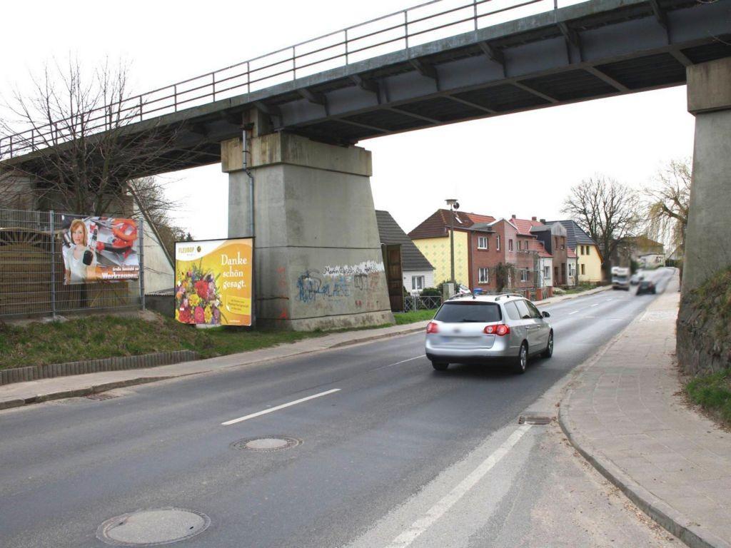 Bützower Str.  / Eisenbahnbrücke quer