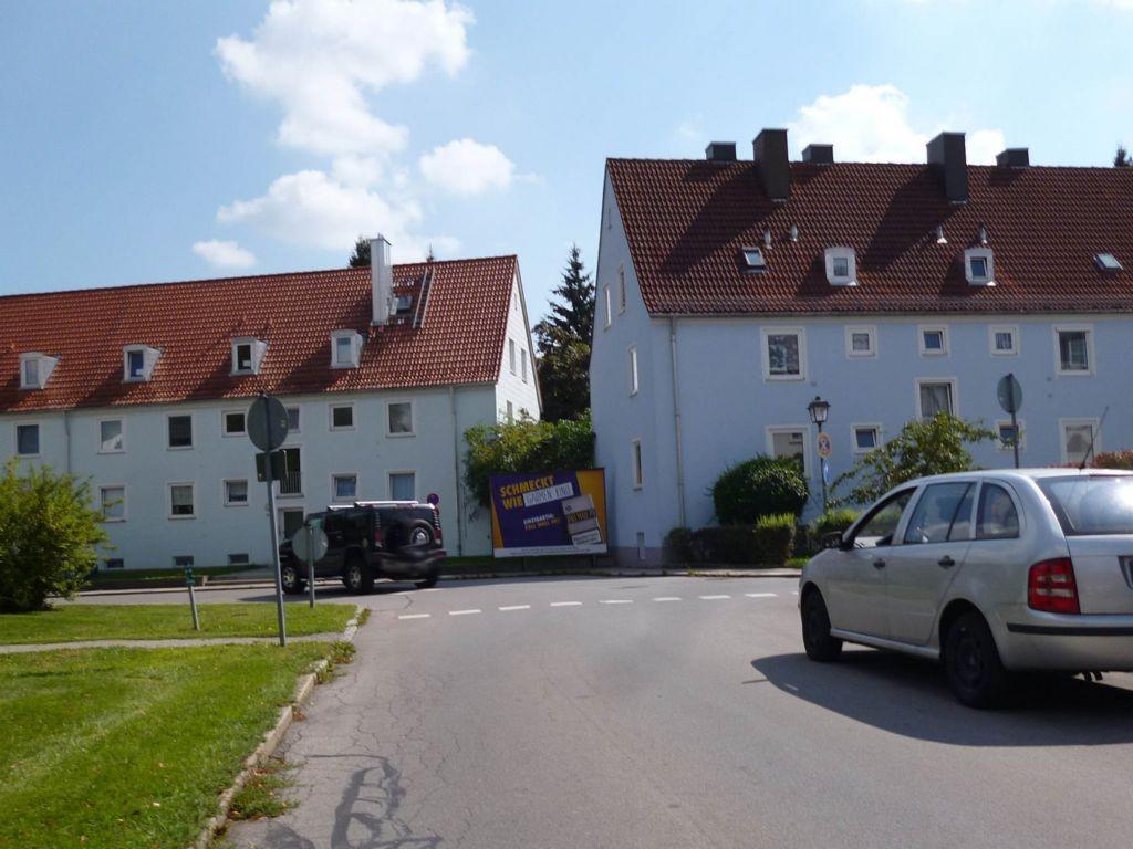 Von-den-Hoff-Platz  / Nh. Hs.-Nr. 4