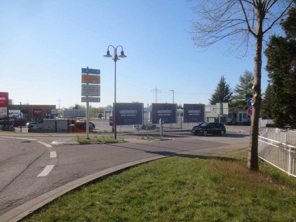 Kaiserstr. (L 395)  / Bahnstr. (Kreisel)