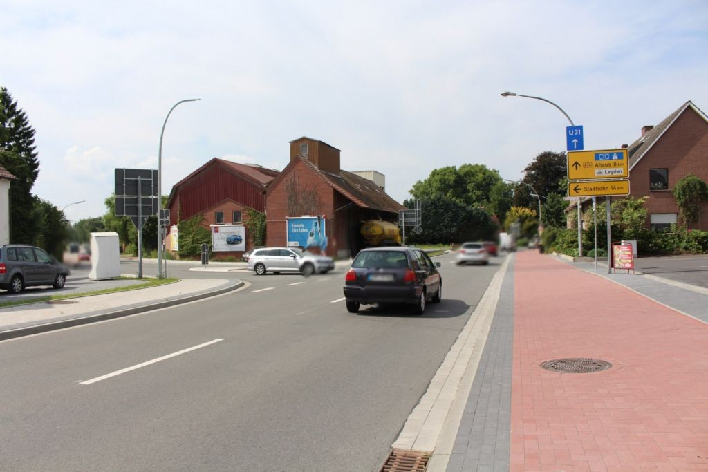 Stadtlohner Str. (B 474)  / Ahauser Str. 7 quer li.