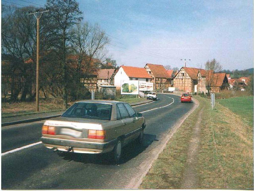Hauptstr. 43 (B 89) , RS