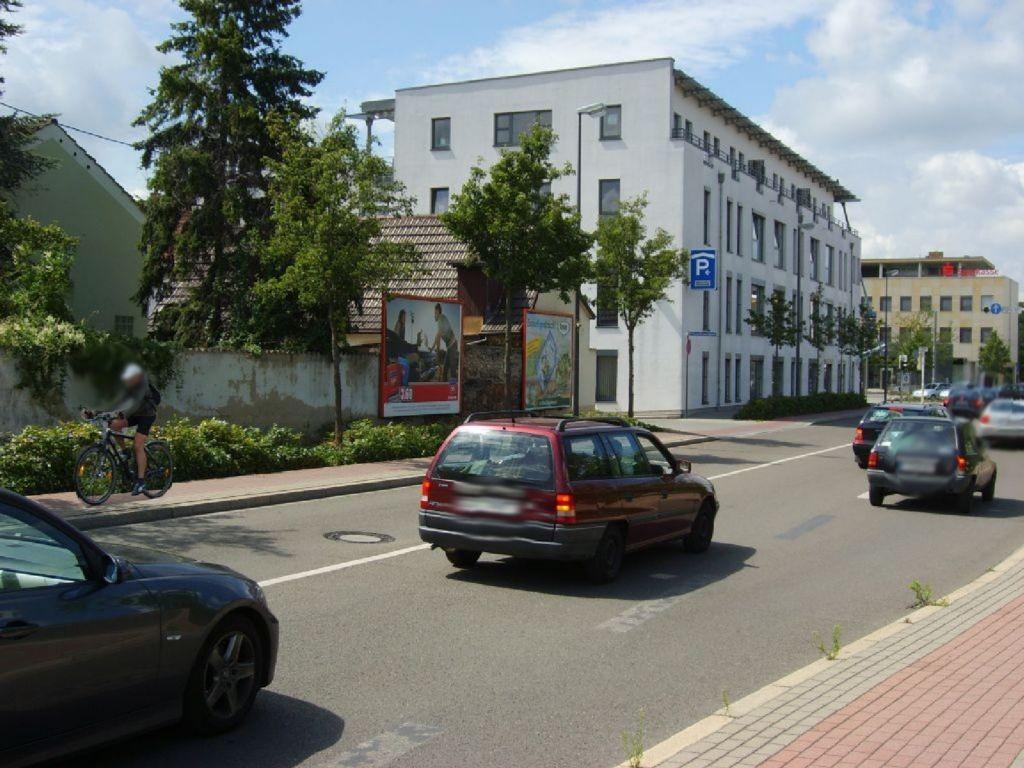 Hans-Warsch-Platz  / Buschweg par.