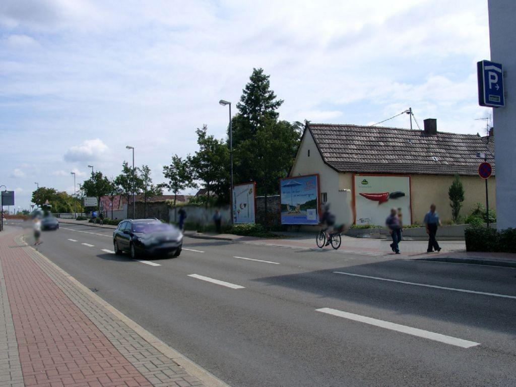 Hans-Warsch-Platz  / Buschweg quer