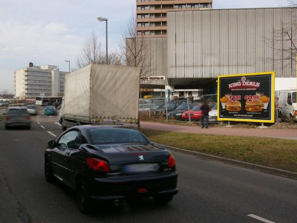 Lorientallee  14  / Einf. quer