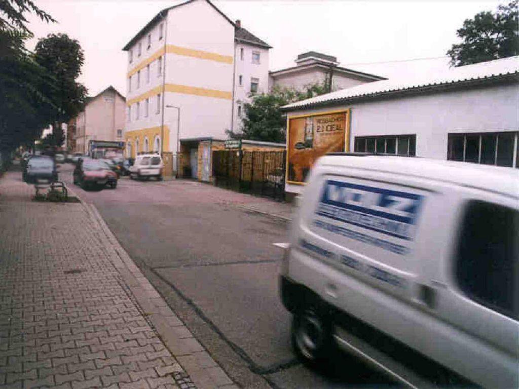 Altrheinstr. 2  / Wachtelstr.