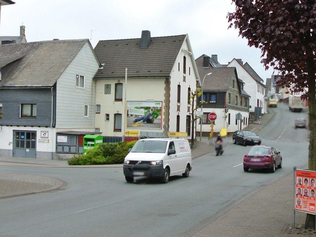 Hallenberger Str. / Niederstr. 32