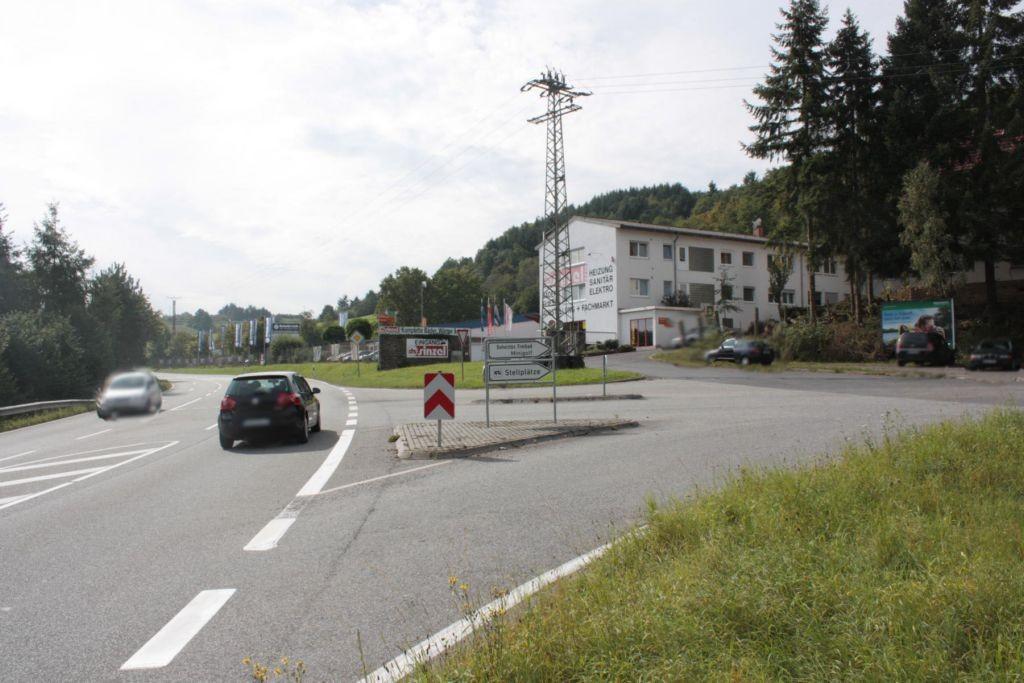 In der Heimbach (B 420)  Freibad