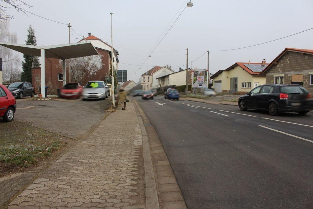 Hauptstr. 235 (L 128)  re.