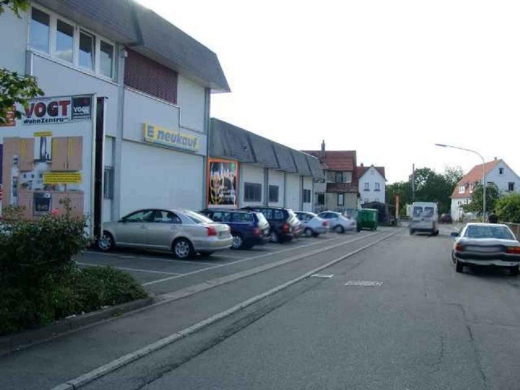 Jakobstr. / Bahnhofstr. 22 >REWE<