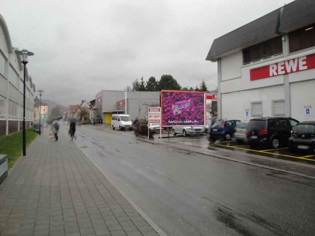 Jakobstr.  / Bahnhofstr. 22 Einf. >REWE< quer VS