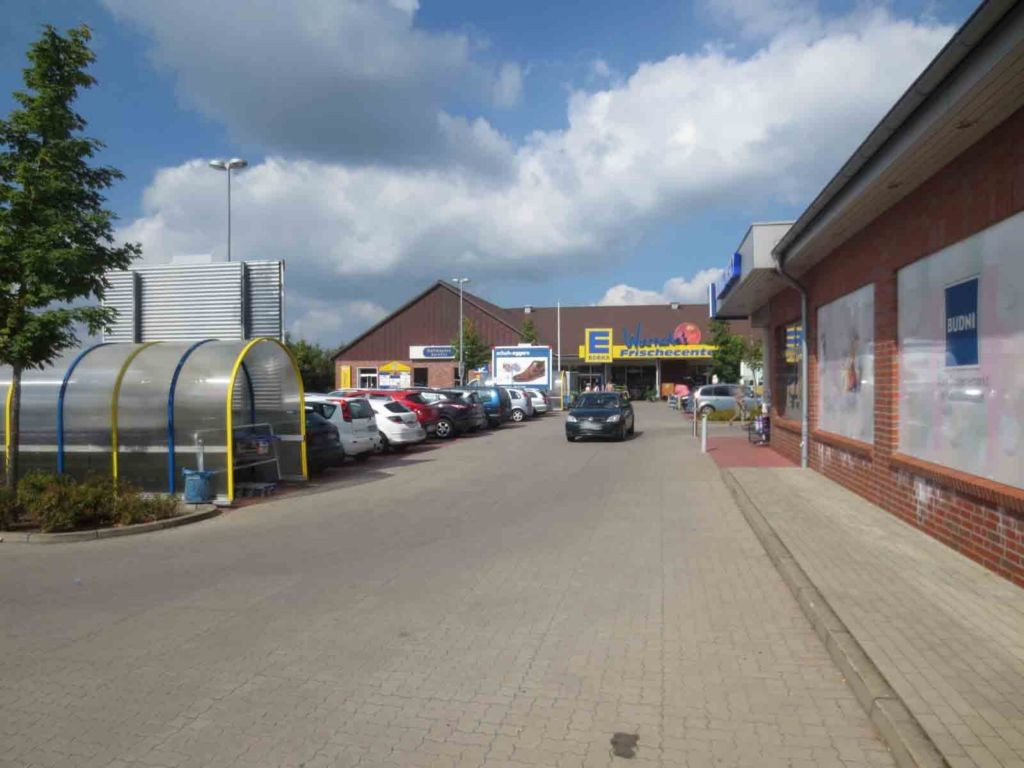 Wulmstorfer Wiesen 2  / Wagenbox Si. Einf. Edeka