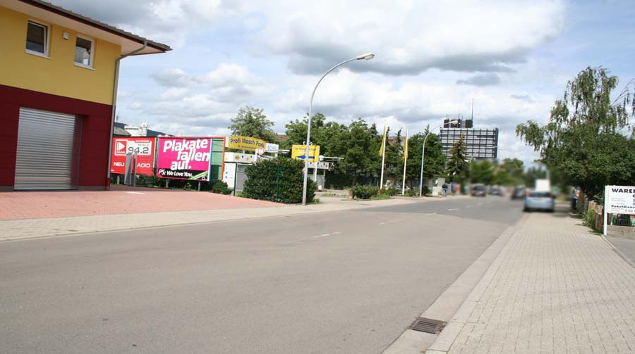 Chemnitzer Str.  neb. Hs.-Nr. 24 / geg. Einf. Globus