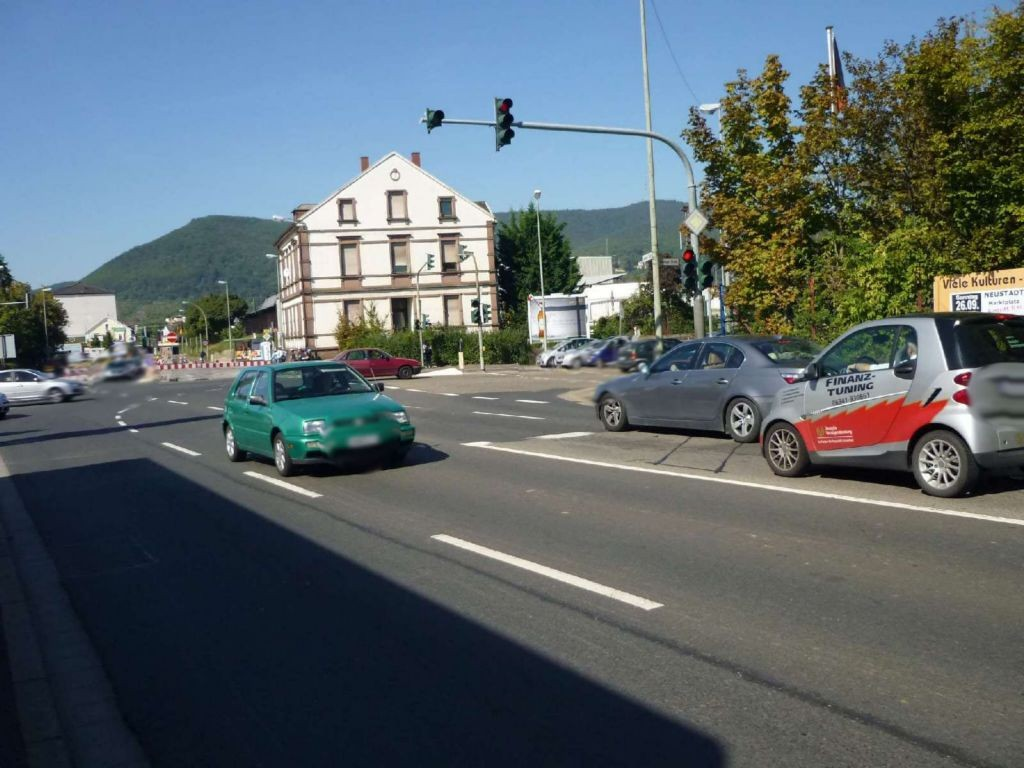 Winzinger Str. (B 38)  / Landauer Str. 95 (B 39)