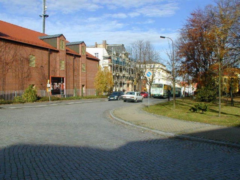 Bahnhofstr. 38  schr.