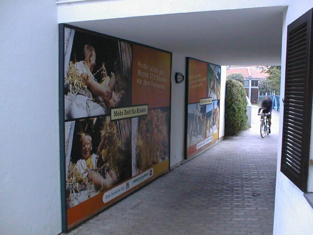 Sparkassenplatz Durchgang zw. Hs.-Nr. 5 c + 7 a li.