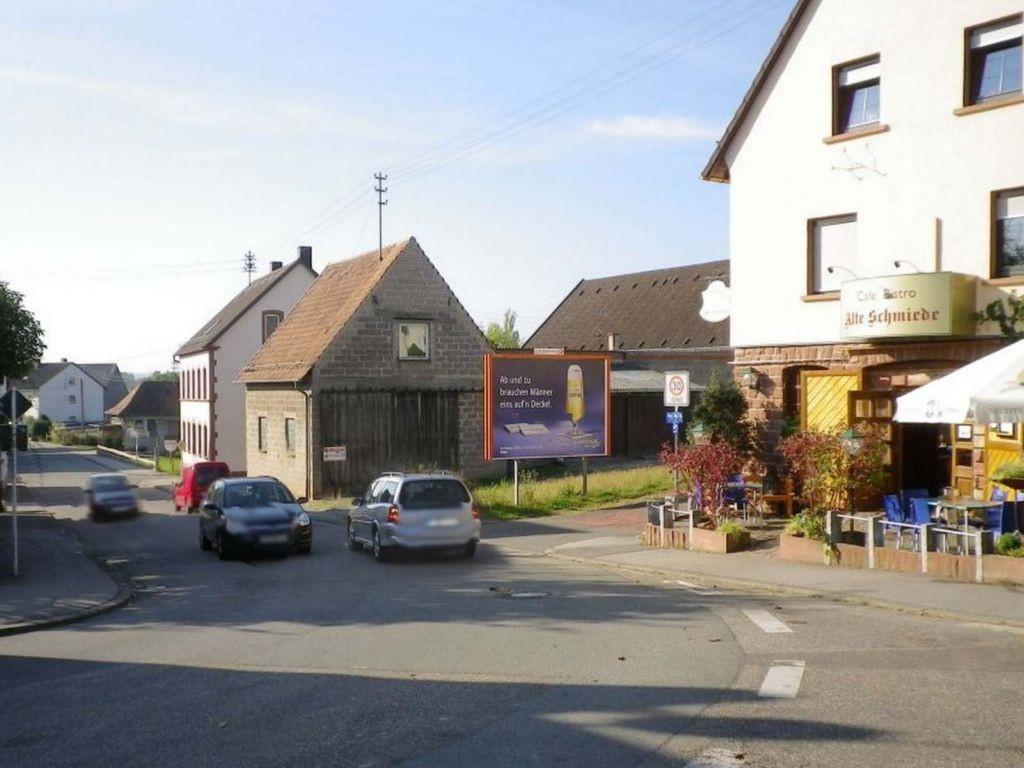 Bottenbacher Str. (L 482)  geg. Hs.-Nr. 116 quer VS