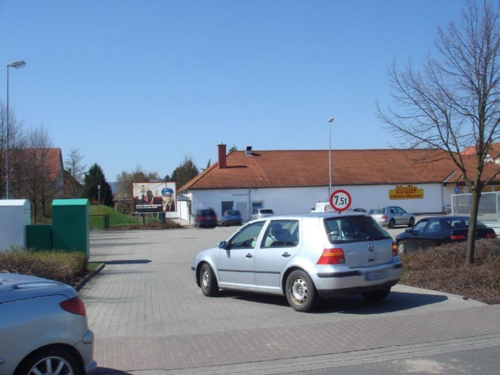 Hauptstr. 67  / Oberndorfstr.  >Netto< (PP) gg. Einf.