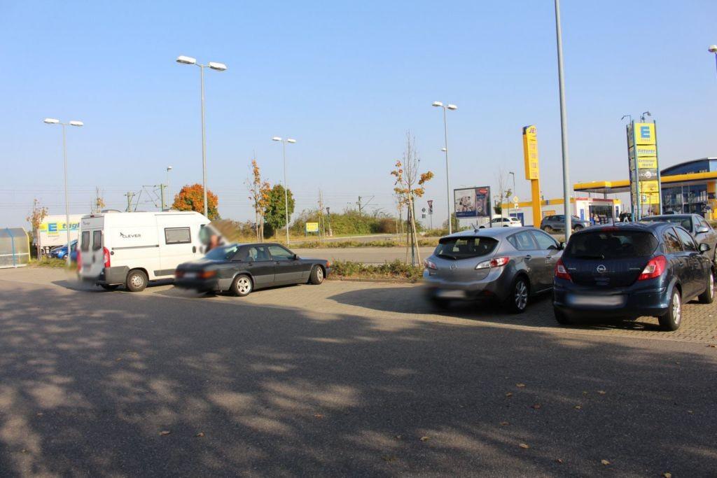 Germersheimer Str.9/Edeka /Si.Parkplatz