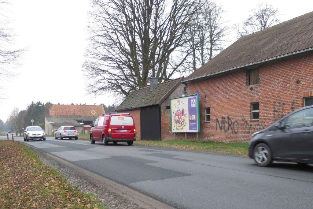 Knesebecker Weg 10  / Am Dorfplatz