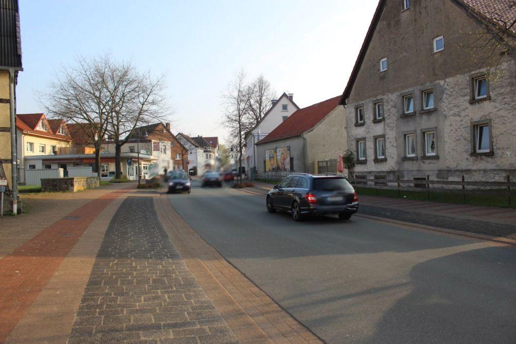 Paderborner Str. neb. Nr. 11 re.
