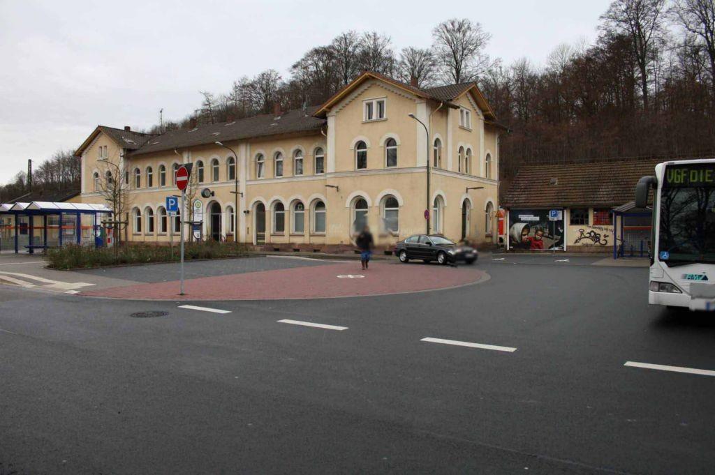 Am Bahnhof 1  / Bahnhofsvorplatz
