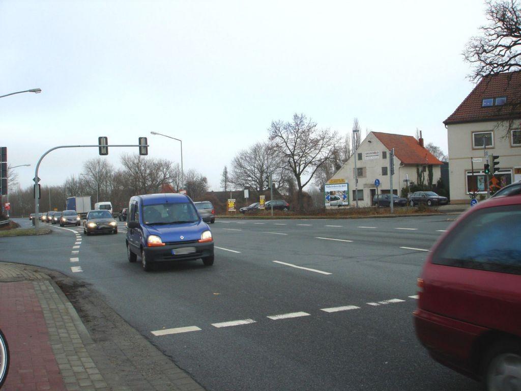 Barrier Str. 5 (B 6)  gg. Volksbank par.