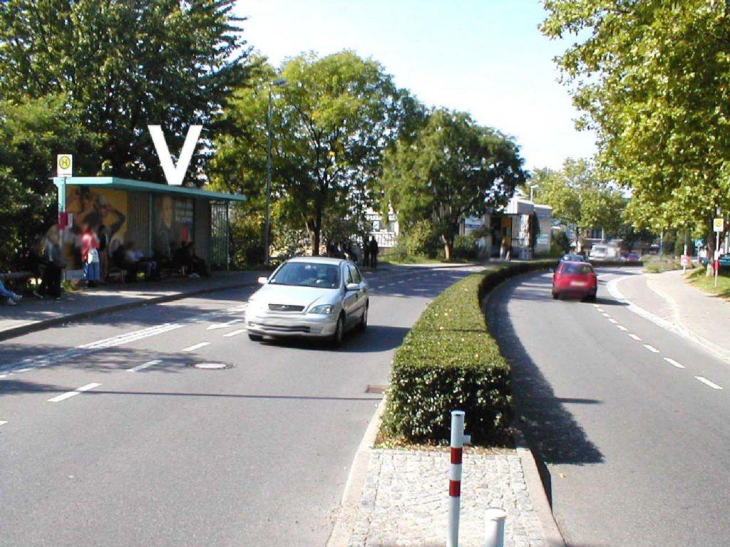 Lippertsreuter Str.  / Kuchelmannweg re.