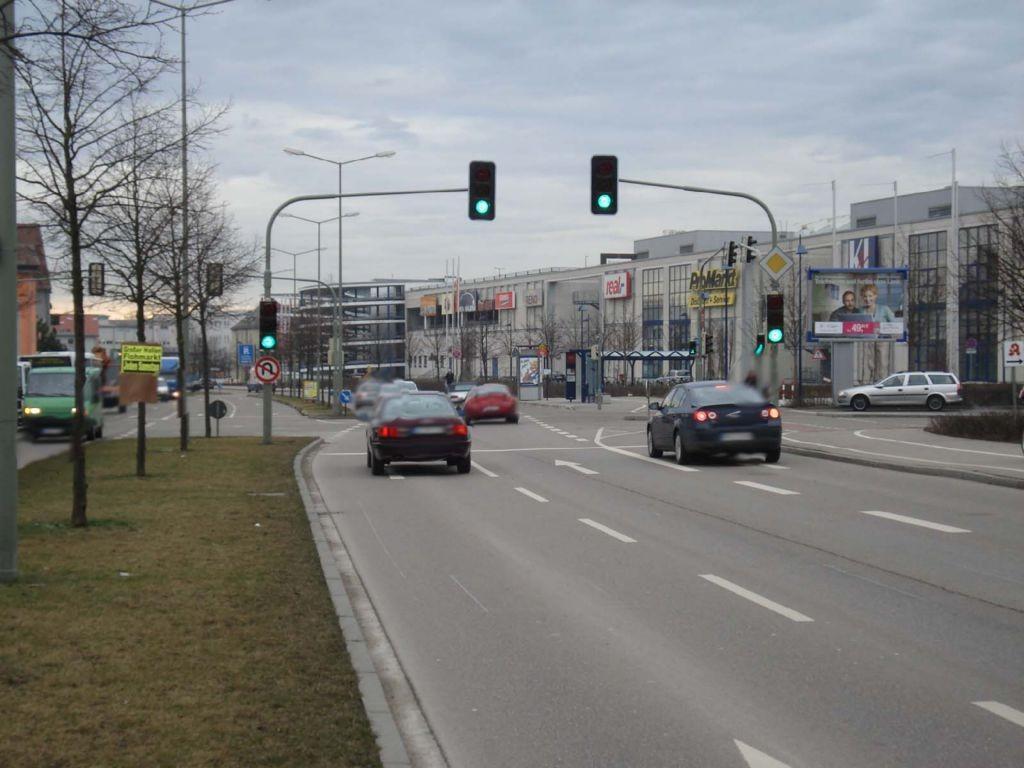 Blaubeurer Str.  / Haupteing. Blautal-Center VS
