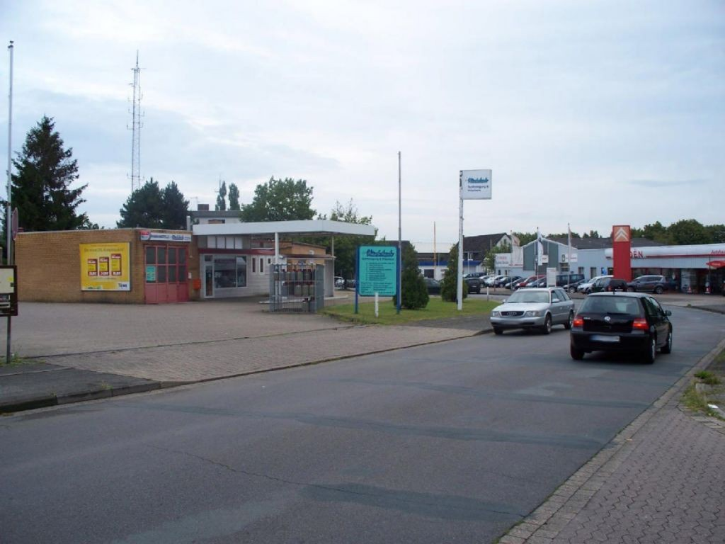Im Burgfeld 2  / geg. Citroen