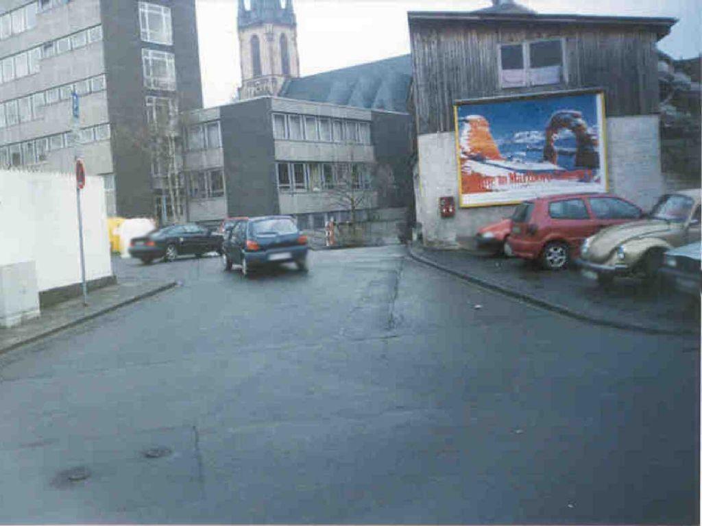 Luisenstr. 5  Einf. (PP) Rathaus re. quer