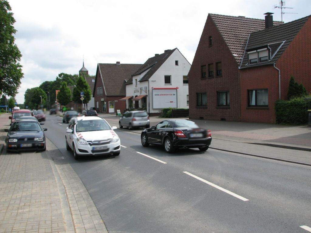 Gladbacher Str. 18 (B 221)  / Am Neumarkt quer