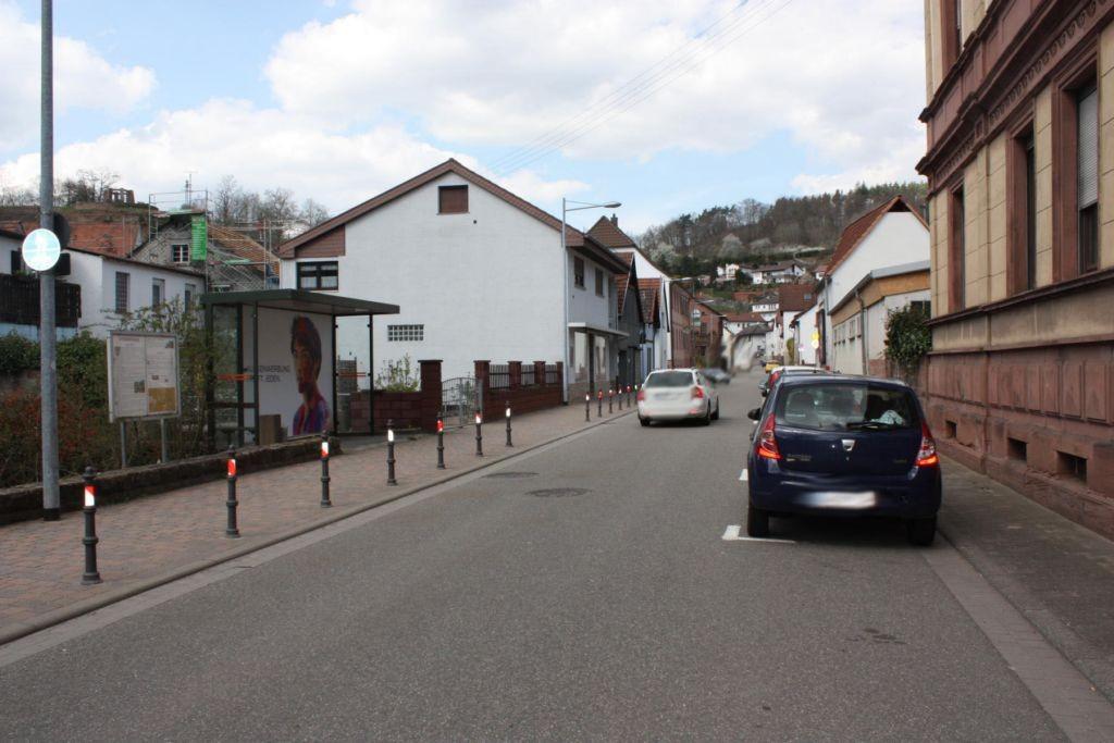 Hauptstr. ne. 84 (B39) vor Kath. Kirche