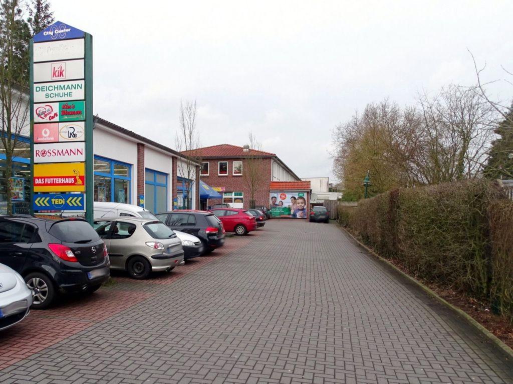 Meinardusstraße 18  (PP) City-Center Einf. re.