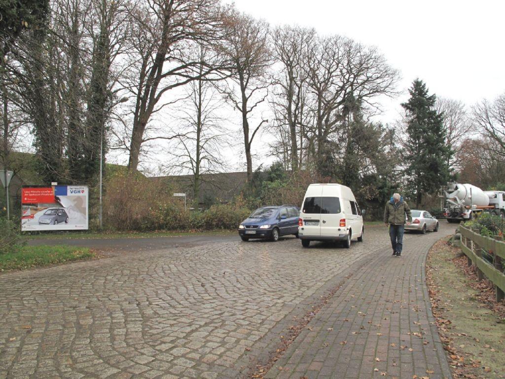 Unter den Linden 9 / Albstedter Str.