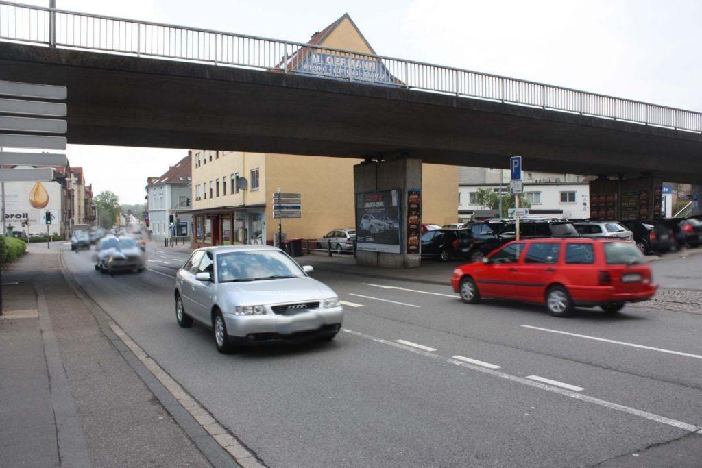 Lützelstr. / Gottlieb-Daimler-Brücke re.