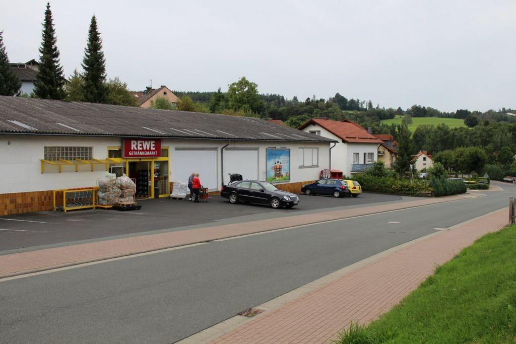 Brembacher Weg 2C  / re. neb. Eing.