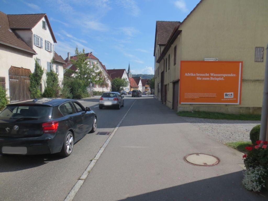Herrenberger Str. 57 (B 28) quer