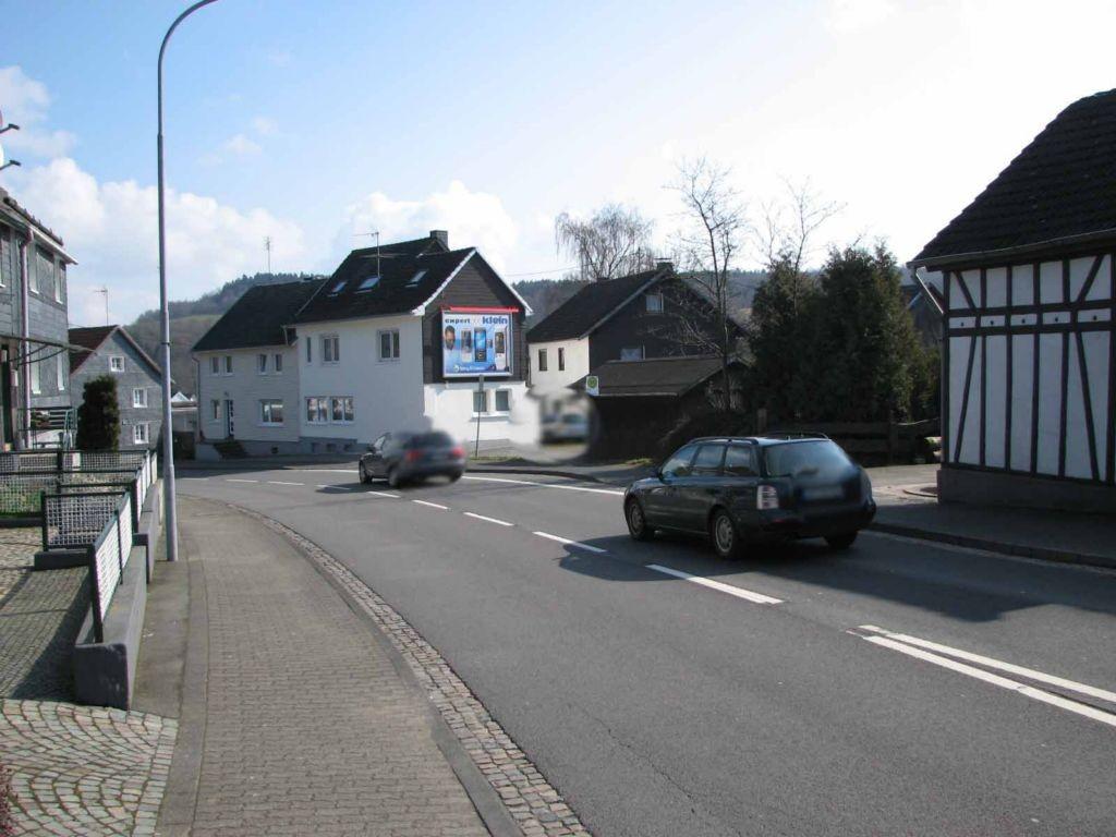 Hauptstr. 71 (B 256)  quer
