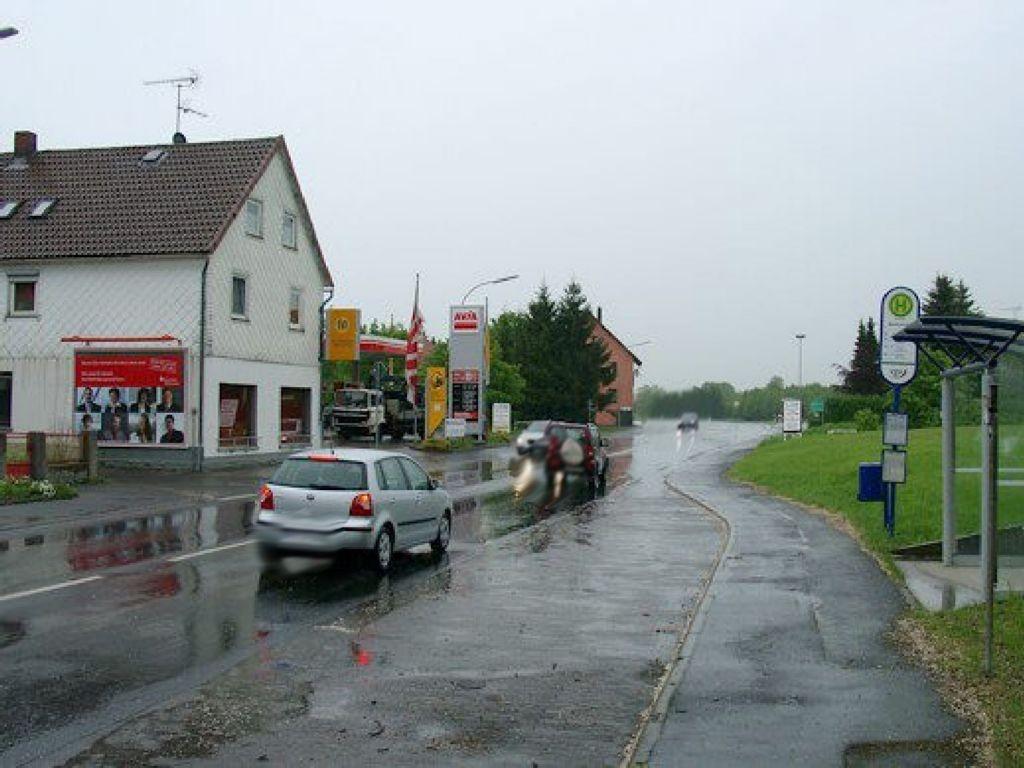 Bahnhofstr. 76 (B275)