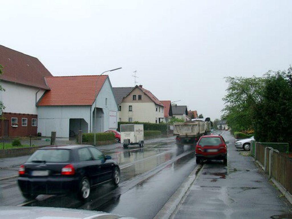 Bahnhofstr. 12 (B275)
