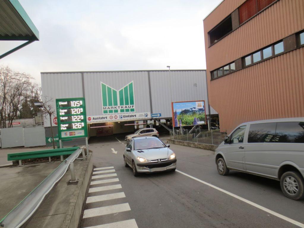 Römerstr. 145  / Daimlerstr. 28 / Einf. Marktkauf quer